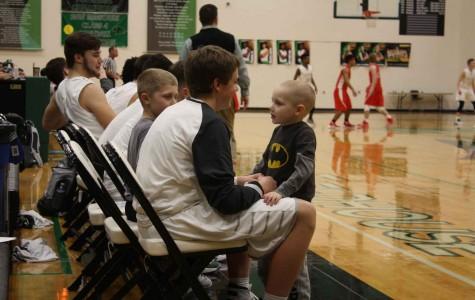 Basketball Team Gives Back